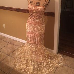 Dresses & Skirts - 🇺🇸SALE🇺🇸Gold beaded formal dress