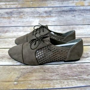 Shoes - Olive perforated oxford lace up flats