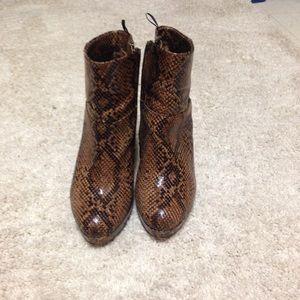 H&M brown print booties!