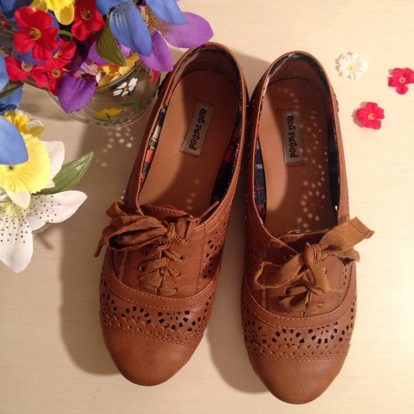 Not Rated Brown Oxford Flats. M 58070ff5680278810d01b07e dc5a45f6027e