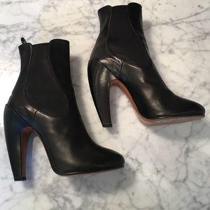 Alala Shoes - Alaia black leather booties 38