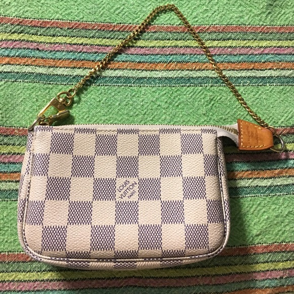 b97d4ba208ec Louis Vuitton Handbags - TRADE❤ Louis Vuitton mini pochette Damier Azur