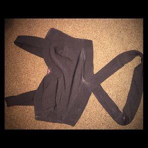 Boohoo criss cross black crop top