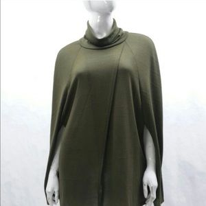 Tops - NEW turtleneck poncho