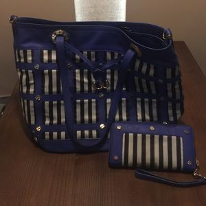 Henri Bendel Purse & Wallet
