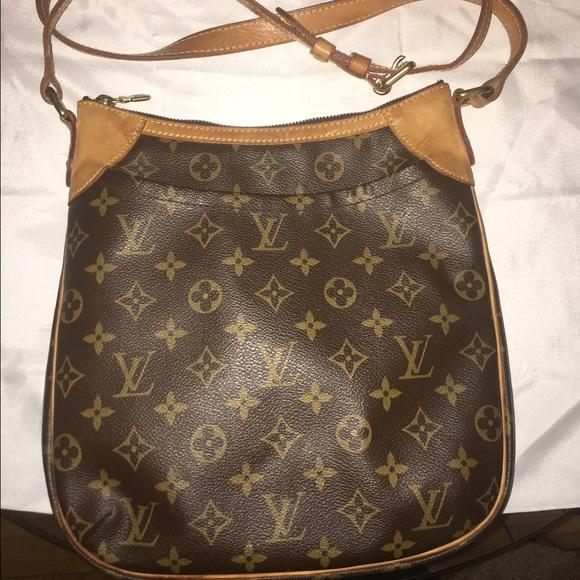 7e2f32cb0da1 Louis Vuitton Handbags - Auth Louis Vuitton Odeon Pm