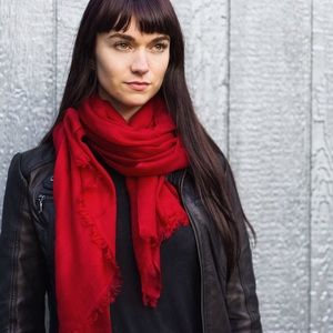 Conscious by Kali Accessories - 🎉HOST PICK🎉Soft Cashmere Red Scarf with Fringe