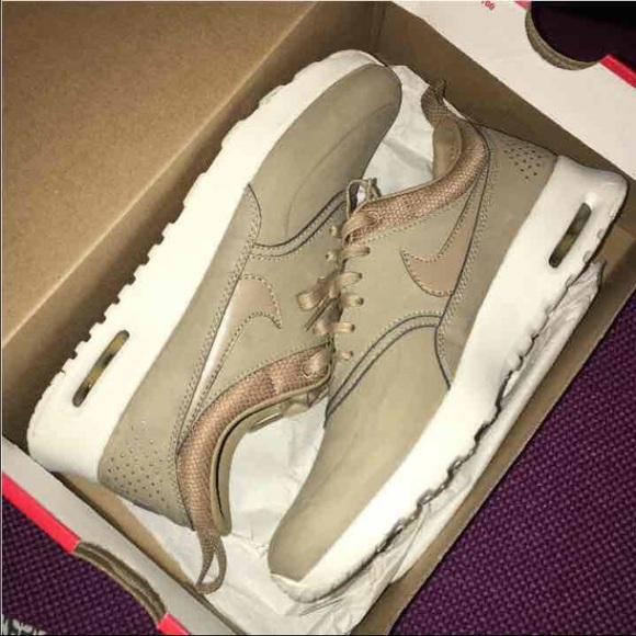 niska cena wielka wyprzedaż uk szczegóły Desert Nike Thea