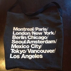 American Apparel Handbags - AAcities OVER sized  tote💕💕