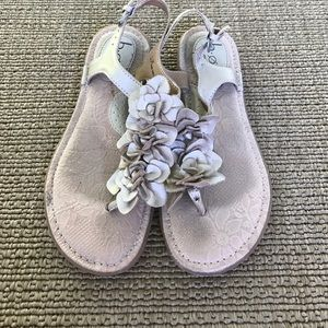 Born BOC Sandals Flower Nude Pewter Size 7