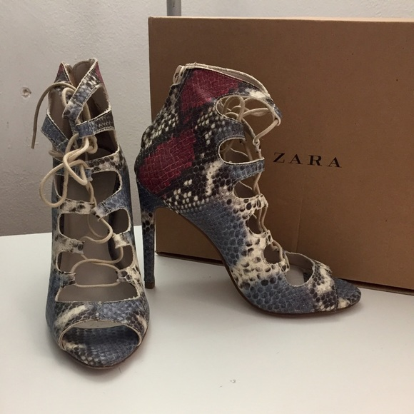 4831e788986 ZARA lace up snake skin ankle booties heels shoes