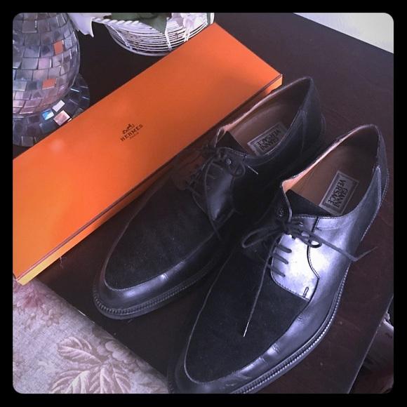 24baf6dd3e0 Gianni Versace Men s suede shoe 9 1 2. Shoes only.  M 5807f6fa4127d0c8350026d7