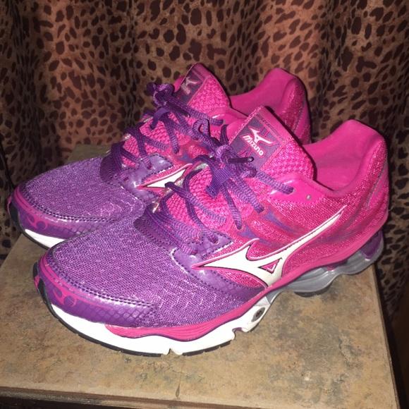 mizuno mens running shoes size 9 yeezy ultra purple