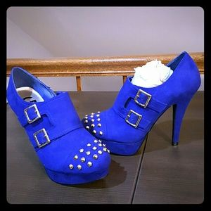 Guess Shoes - NWOT Blue Guess Varian Booties