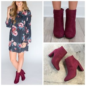Shoes - ❗️last two❗️Burgundy suede side zip ankle boots