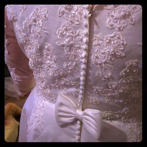 Dresses & Skirts - Alfred Angelo Wedding Dress