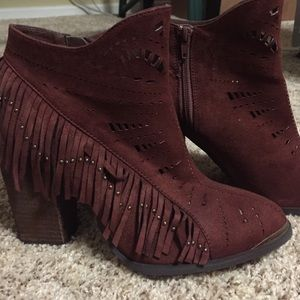 Not Rated Shoes - Not Rated Fierce Fringe ankle boot sz 8.5
