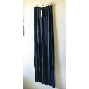 NWT Boohoo Maxi Skirt with Slit