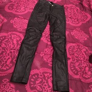 ✨NWT✨H&M Faux Leather Biker Pants