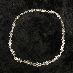 Jewelry - Rhinestone Floral Design Choker free earrings
