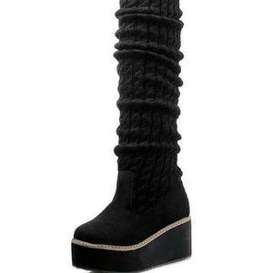 Shoes - Black platform boots
