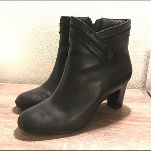 Clarks Shoes - Clarks leather ankle boots/ booties