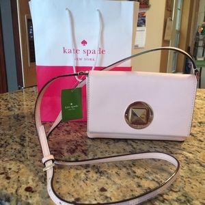 kate spade Handbags - 🎉🎊HOST PICK! 🎉🎊Kate spade cross body bag