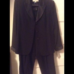 Lord & Taylor Other - Pants suit