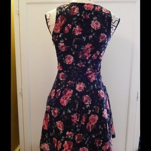 Wet Seal Dresses - Wet Seal Floral Lace Dress Sz S