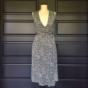 Diane von Furstenberg Dresses & Skirts - Diane Von Furstenberg Printed Wrap Dress 2 Silk
