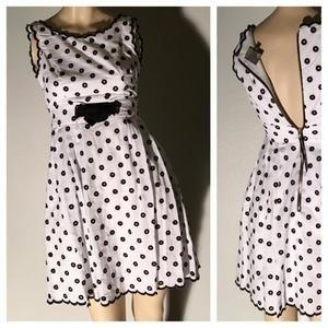 Taylor Dresses & Skirts - Taylor Petite white/black A-line tank skater dress -- size 0P
