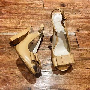 Sale🎉 Nine West Nude Bow Peep Toe Heels
