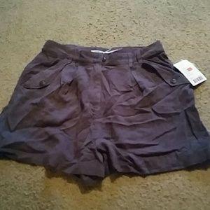 Kimchi Blue Pants - **NWT Kimchi Blue size 6 shorts