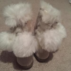 Other - Old Navy Fur Boots
