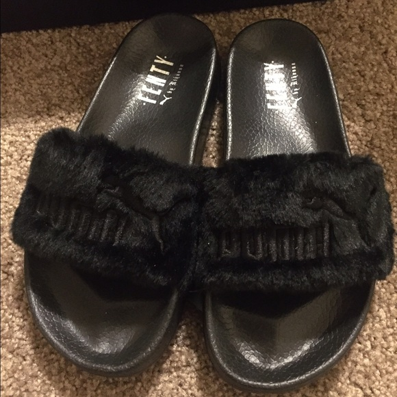 buy popular a8a0c 1cbc6 Puma Rihanna Fenty fur slides black 6.5 NWT