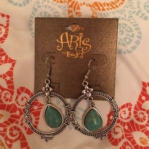 aris Jewelry - Silver earrings