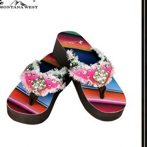 Montana West Shoes - Montana West Sereape Frayed Edge Flip Flops. Sz 7