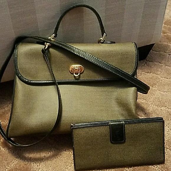Fendi Handbags - ○TRADED ○ kvcamp ○AUTHENTIC VINTAGE FENDI PURSE b4859b6175