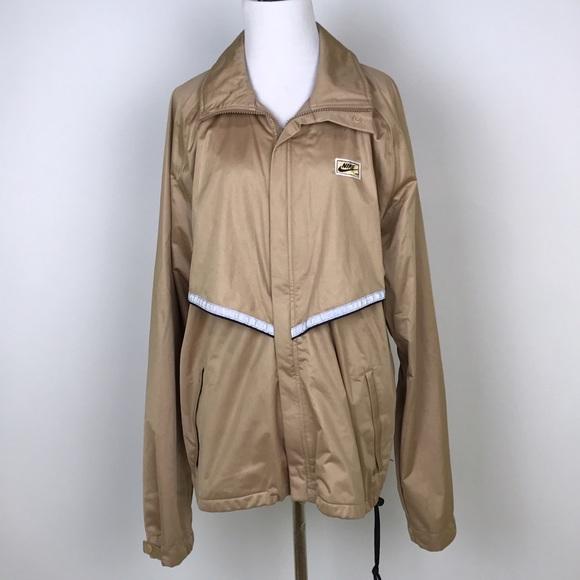 300f86529c84  Nike  Vintage Gold Track Jacket Windbreaker Retro.  M 580964ba291a357115000bab