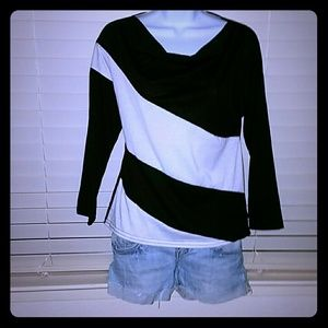 Tops - 🆑*Black & White Cowl Neck Long Sleeved Tee*🆑