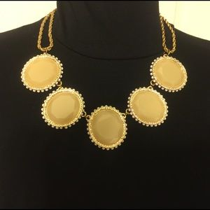 NATASHA Nude Statement Necklace