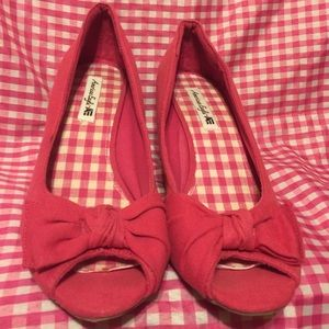 American Eagle by Payless Shoes - AMERICAN EAGLE  hot pink wedge shoes size 11.