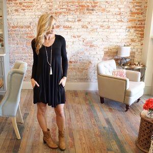 Dresses & Skirts - Black V neck Long Sleeve Dress with Pockets