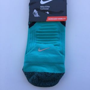 Nike Other - Nike Elite Cushioned Socks