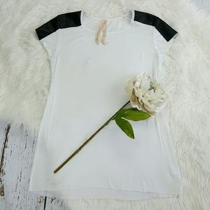 Bailey 44 Tops - 💞SALE💞 Bailey 44 White T w Black Leather Sleeves