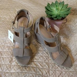 NWT Taupe wedge sandals