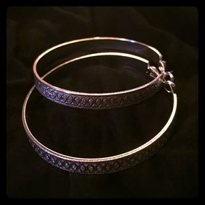 FINAL PRICE CUT Silver tone hoop earrings