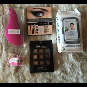 Mint Pear Beauty Other - NWT BEAUTY BUNDLE - BROWS, EYES, BRUSH, BLENDER