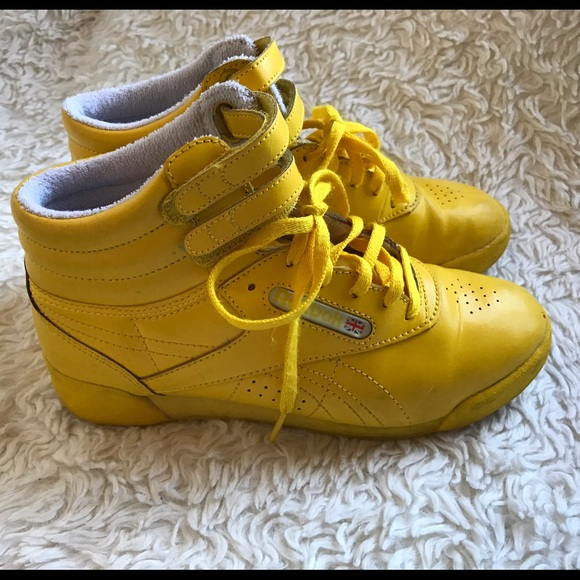 b9f299551d5 Vintage Reebok Yellow High top shoes. M 580a718e9818299dc701a409