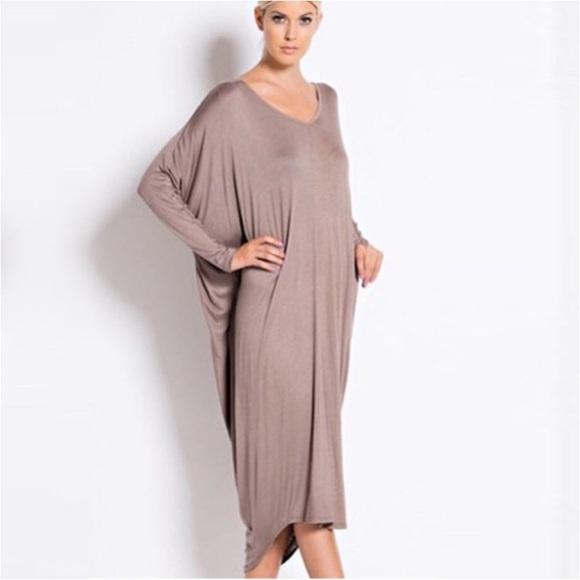 Nwt dolman sleeve tunic dress black from vogue 39 s closet for Dolman sleeve wedding dress